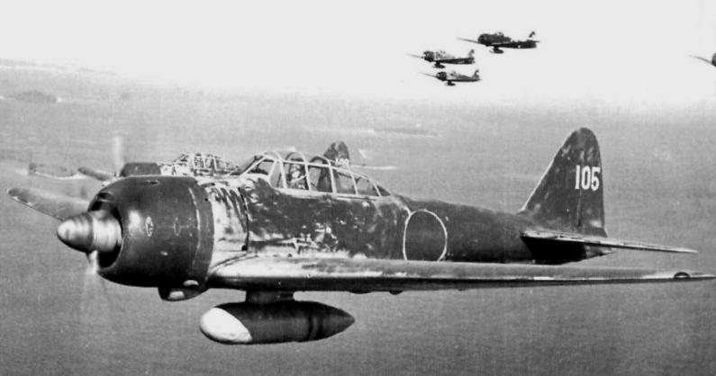Det japanska flygarässet Hiroyoshi Nishizawa i sitt flygplan.